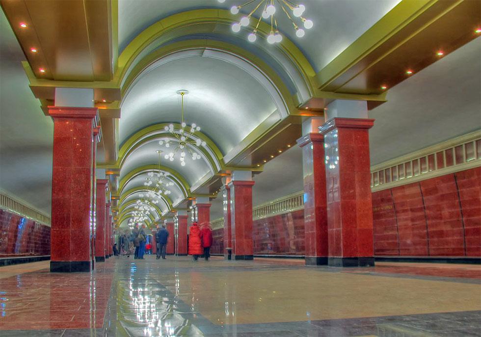 Ростехнадзор выявил нарушения в казанском метро: новые станции уже трескаются